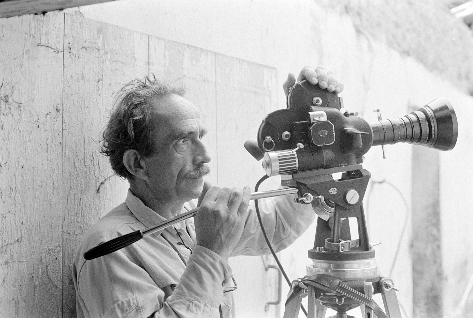 Jacques Thévoz derrière la caméra, 1968-1969. Bibliothèque cantonale et universitaire - Fonds Jacques Thévoz