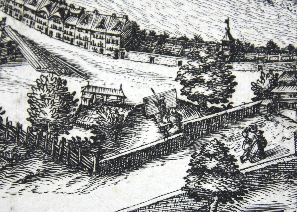 Autoportrait de Martin Martini au perspectographe, vu de dos, procédant au relevé de la ville de Fribourg, détail du petit plan de Fribourg, 1608 (MAHF)