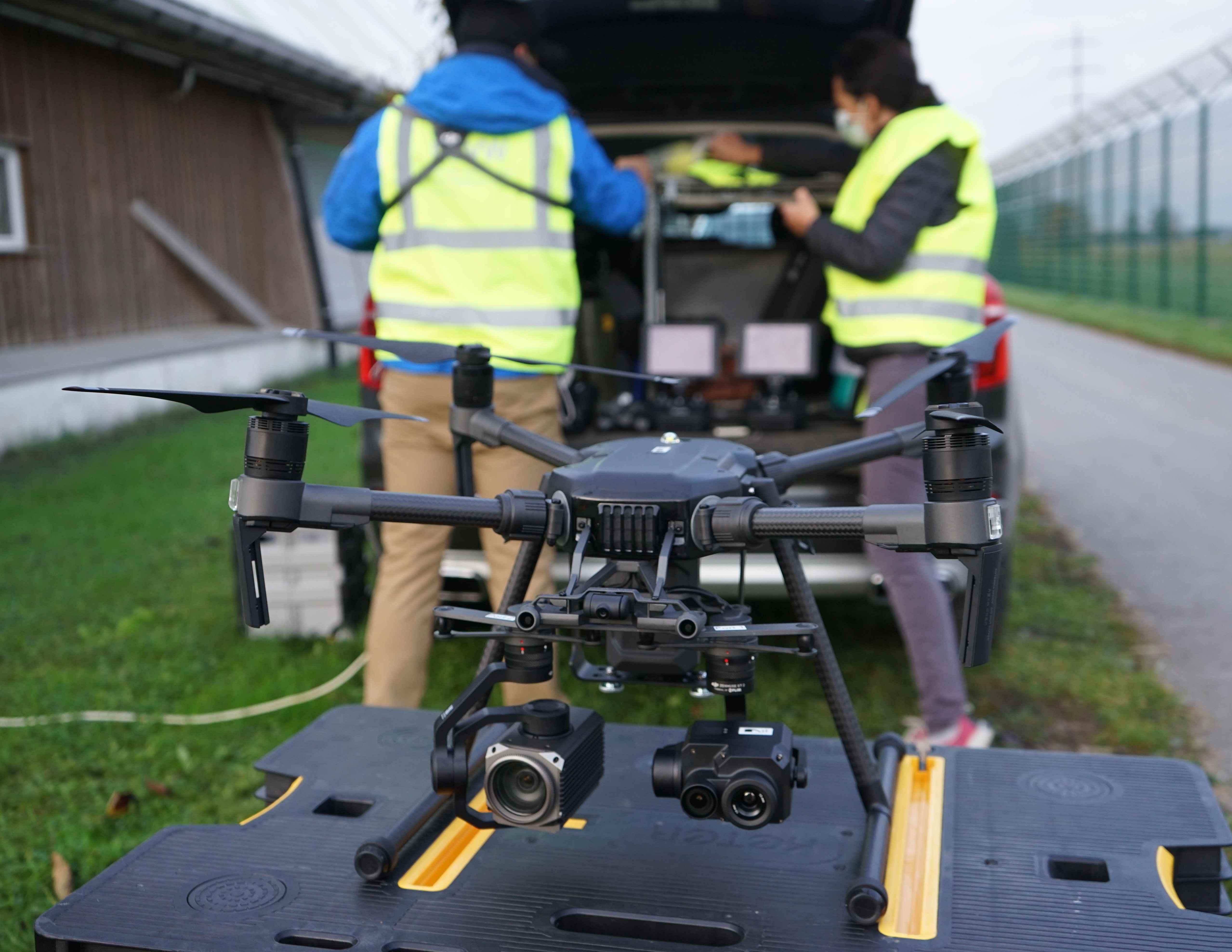 Le drone est notamment équipé d'une caméra thermique