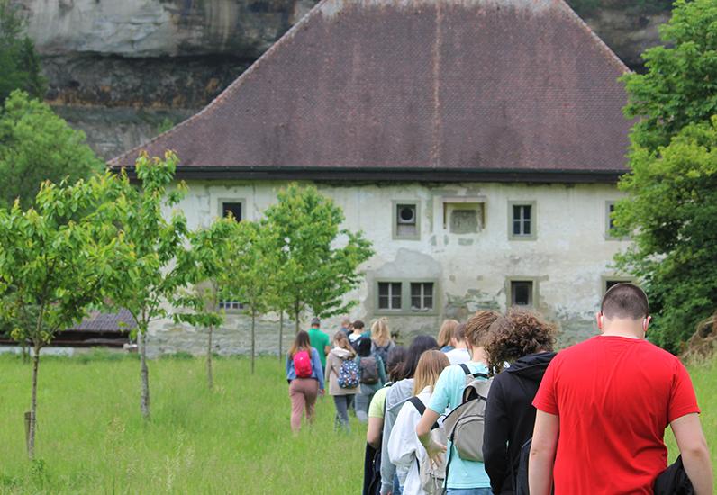 Visite de l'Abbaye d'Hauterive par les élèves du CO de Jolimont, le 9 juin 2021