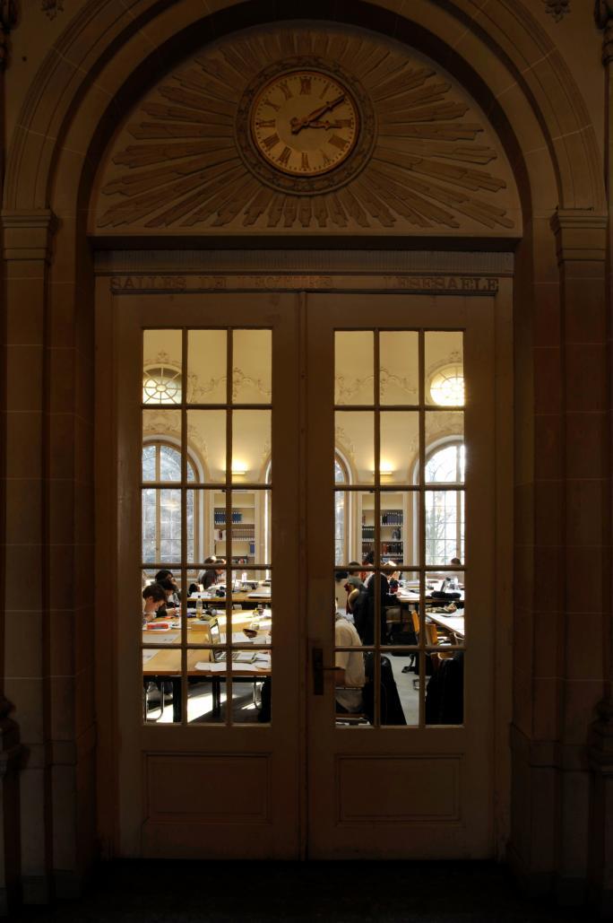 Salle de lecture de la Bibliothèque cantonale de Fribourg