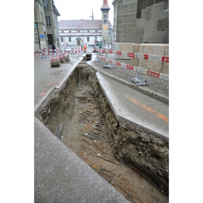 Fouilles en cours: autour de la cathédrale de Fribourg