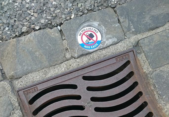 """""""Ne polluez pas nos eaux"""", Bulle"""