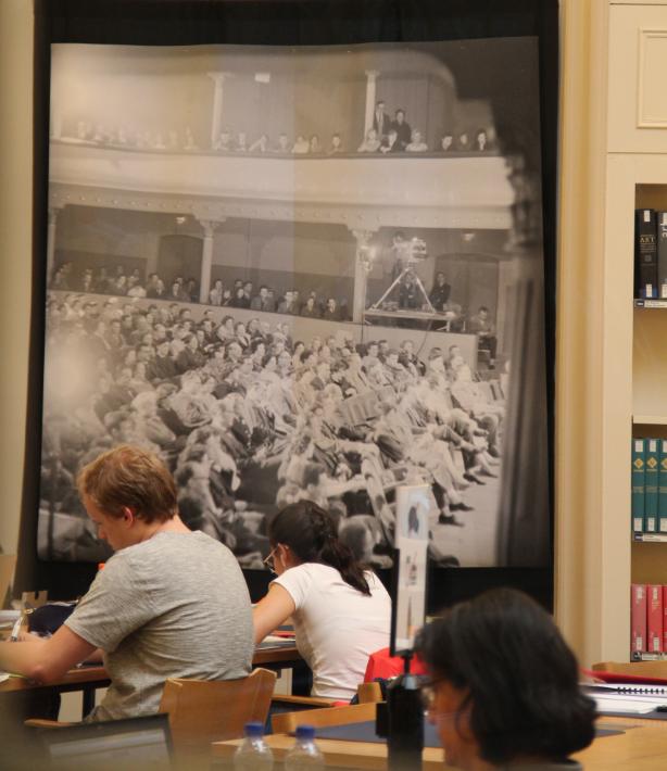 Grande salle de lecture de la BCU