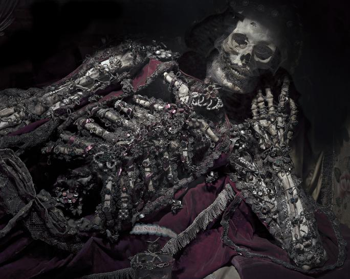 Matthieu Gafsou, Sacré (2011), Squelette de Saint Félix, Musée d'art et d'histoire Fribourg