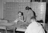 BCU, salle des catalogues sur fiches, Fribourg, 1954