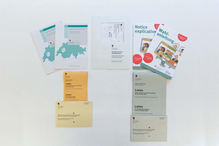 Photo du matériel de vote - enveloppe et bulletin de vote