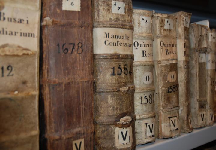 Bild von alten Büchern aus dem 16. und 17. Jahrhundert