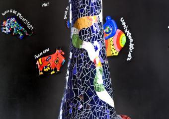 Niki de Saint Phalle, Obélisque aux chats, 1993