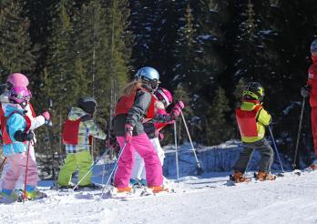 Ski enfants et moniteur