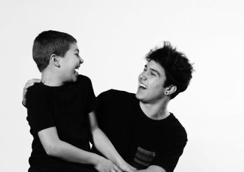 Foto von zwei Brüdern