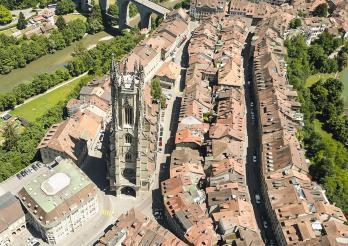 Fribourg, vue aérienne sur la cathédrale St-Nicolas