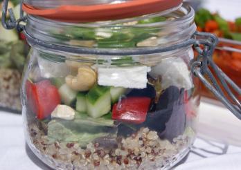 Quinoasalat mit Sommergemüse