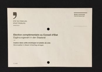 Enveloppe de vote perforée - Stimmcouvert mit Löchern