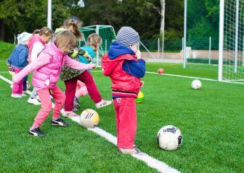 Alimentation et mouvement des enfants de 0-4 ans - Ernährung und Bewegung für Kinder von 0-4 Jahren