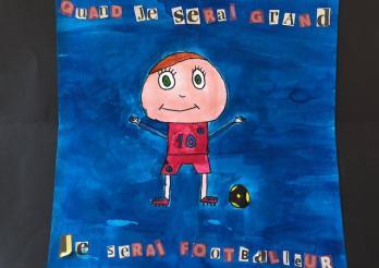 Dessin d'un élève qui se voit en footballeur lorsqu'il sera grand