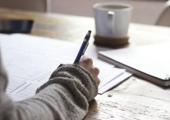 jemand schreibt