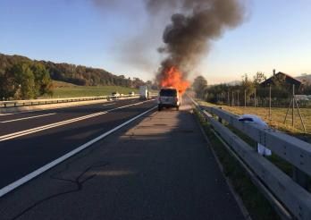 Incendie voiture A12 Bulle