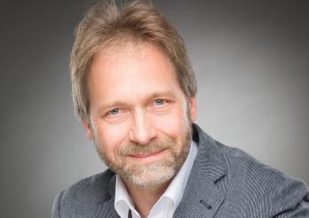 Jean-Claude Simonet - Vorsteher des kantonales Sozialamts - Autor Mirages