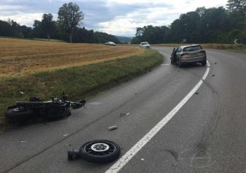 Un accident de moto à Bourguillon fait deux blessés