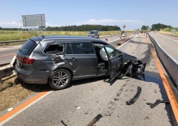 Verkehrsunfall im Baustellenbereich der A12 in Düdingen