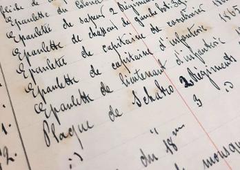 Ancien registre d'entrée des objets au musée