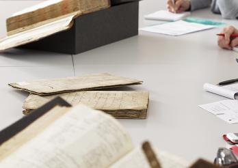 Travail sur les documents d'archives