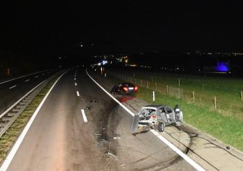 Deux blessés dans un accident sur l'A12 à Ecuvillens / Zwei Verletzte bei einem Verkehrsunfall auf der A12 in Ecuvillens