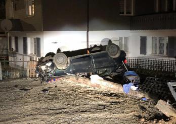 Perte de maîtrise à Zollhaus, deux personnes blessées / Verlieren der Herrschaft über ein Fahrzeug in Zollhaus, zwei Personen verletzt