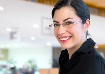 Das Bild zeigt eine Fachfrau Hauswirtschaft