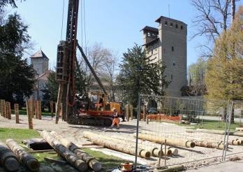 Travaux d'installation des pavillons durables et recyclables de la Haute Ecole pédagogique Fribourg