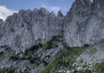 Un grimpeur expérimenté perd la vie dans la chaîne des Gastlosen à Jaun / Erfahrener Bergsteiger verliert sein Leben in den Gastlosen-Bergen in Jaun
