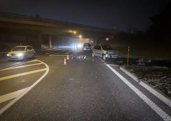 Il renverse un motocycliste à Rossens / Motorradfahrer in Rossens angefahren