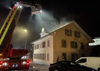 Incendie dans un petit immeuble à Marly / Brand in einem Wohnhaus in Marly