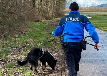 Une Genevoise signalée disparue depuis 2 jours sauvée par la police / Eine seit 2 Tagen als vermisst gemeldete Genferin von der Polizei gerettet