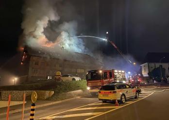 Incendie d'une ferme rénovée à Vuisternens-en-Ogoz / Brand eines renovierten Bauerhauses in Vuisternens-en-Ogoz