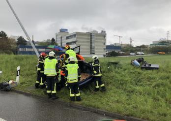 Accident de la circulation avec une personne blessée à Villars-sur-Glâne / Verkehrsunfall mit einer verletzten Person in Villars-sur-Glâne