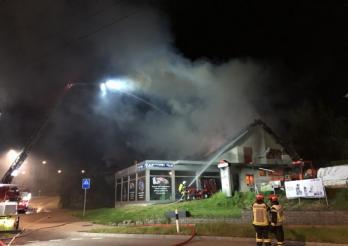Incendie d'une entreprise à Givisiez/Brand eines Betriebs in Givisiez