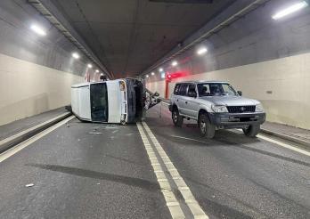 Accident à la Tour-de-Trême en raison de la surcharge d'une remorque/20210611_Unfall in La Tour-de-Trême aufgrund von Überlast