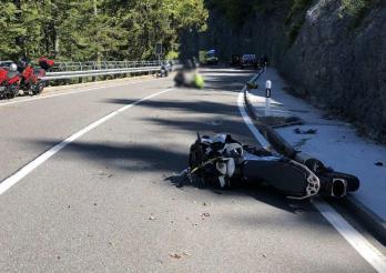 Trois motards blessés, dont un grièvement lors un accident sur la route du col à Jaun / Drei Motorradfahrer bei Unfall auf der Jaunpassstraße verletzt