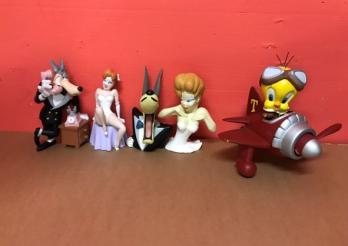 5 statuettes univers Cartoon