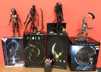 Figurines Alien et Predator