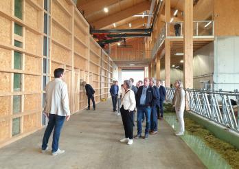 Visite de la ferme-école de Grangeneuve par la CDCA