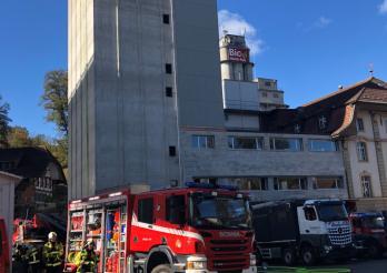 Un incendie se déclare à Flamatt/Brandausbruch in Flamatt