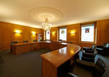 La salle de séance du Conseil d'Etat fribourgeois Photo © Aldo Ellena