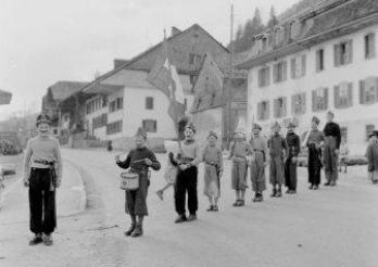 Kindersoldaten, Villars-sous-Mont, 1957