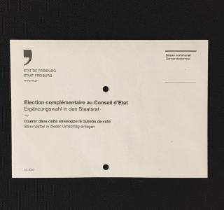 Enveloppe de vote perforée