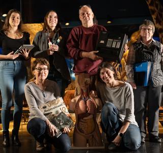De gauche à droite : Anaïs, Marie-Christine, Lisa, Jacques, Catherine, Dominique