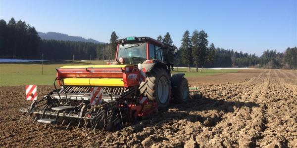 Photo montrant un tracteur
