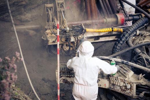 Mesures préliminaires à l'assainissement de la décharge de la Pila